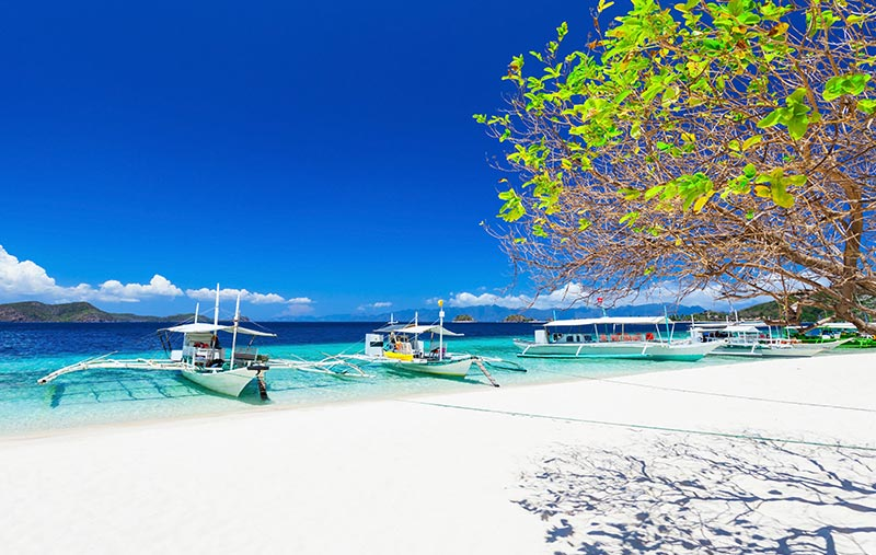 Discounted last minute flights open up a lively tropical beach holiday on Boracay. - IFlyFirstClass