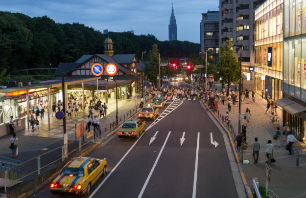 Trend-setters relish business class flights and shopping in Harajuku - IFlyFirstClass