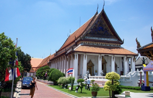 Flying through time: comfy business class seats to Bangkok and tours of Bangkok National Museum - IFlyFirstClass